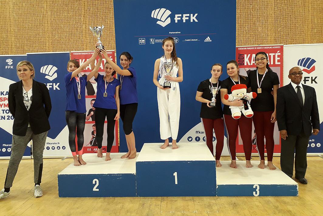 Equipe Féminine sur le Podium de France
